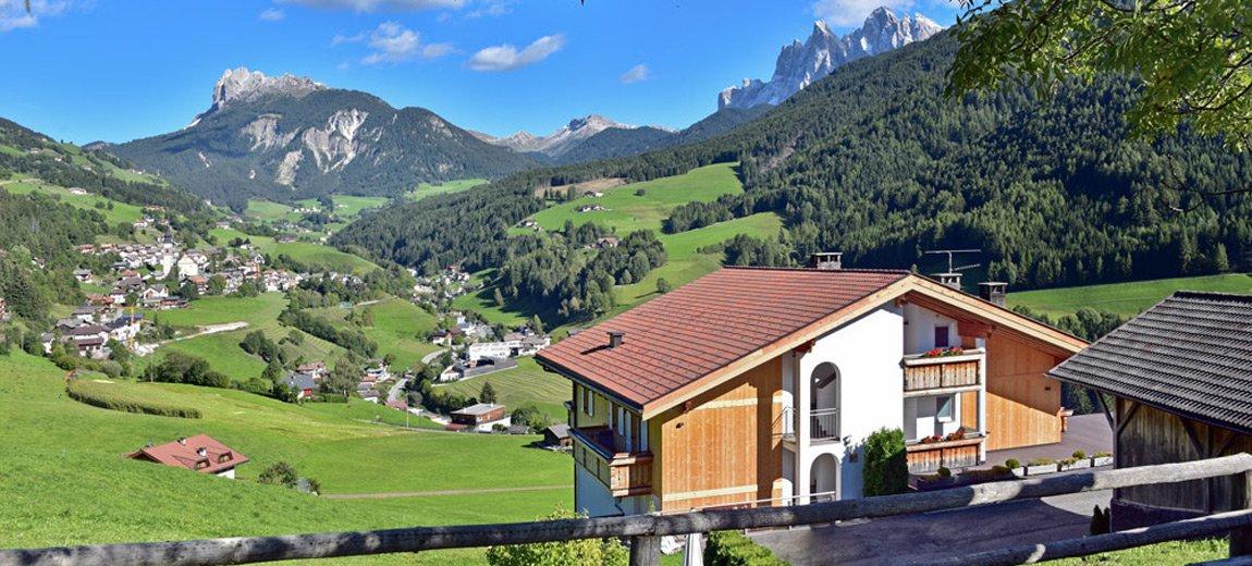 Appartamenti a Funes: la vostra vacanza da sogno nel cuore dell'Alto Adige